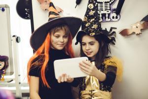 YES-Halloween-2106-031